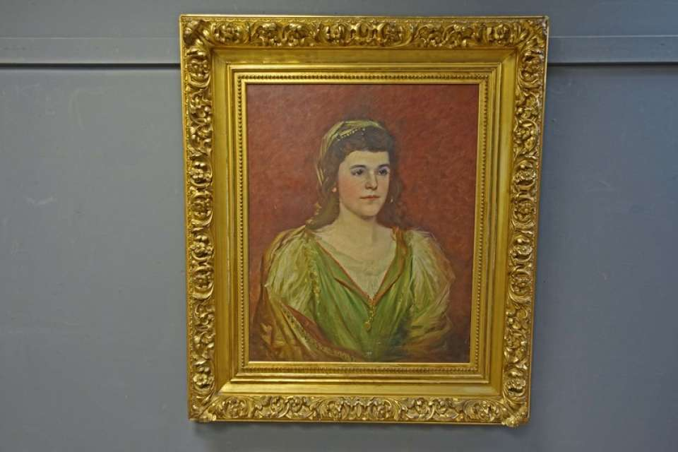 Portrait Oil Painting in Ornate Gold Gilt Frame