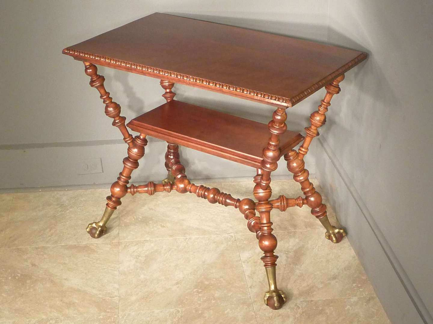 Aesthetic Victorian Cherry Table, Merklen